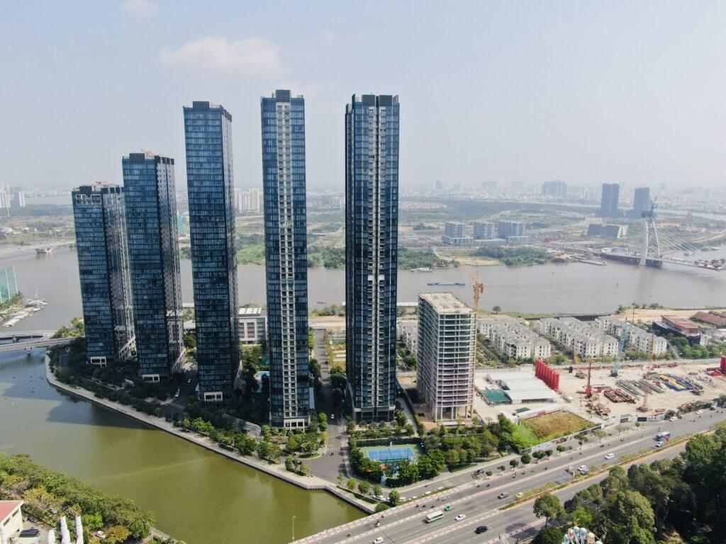 Việc sở hữu bất động sản giá trị cao như thể hiện đẳng cấp của chủ nhân
